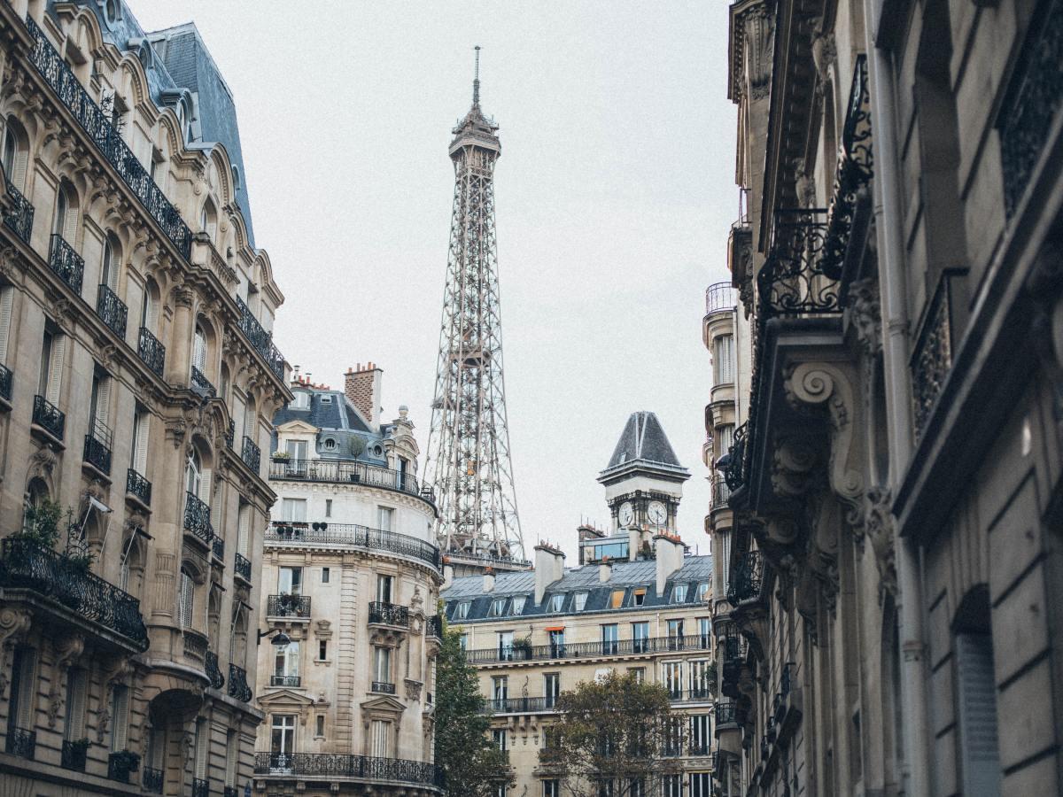 Invisibly Allergic Peanuts in Paris